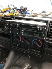 Discovery Range Rover Classic Radio in Good Working Condition AMR2194LNF
