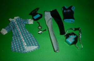 Monster High Frankie Stein Clothes & Accessories for Play/Complete a set.