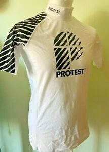 Protest Men's S/S Rash Guard SPF/UPF50+ size Medium New with tags was £20😎