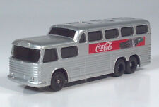 Lledo Days Gone GM PD-4501 Scenicruiser Coca-Cola in the USA HO Scale Model Bus
