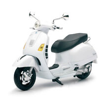 New Ray Motorcycles New Ray 1:12 Vespa GT 300 Super (White) 57243