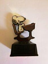 Vintage Snoopy Aviva figurine Trophy statue Snoopy Sitting At A School Desk