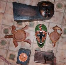 Lotto oggetti etnici posacenere maschera in legno fermalibro portacenere