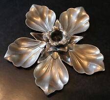 Cendrier en argent 1900 - Une fleur et 5 pétales