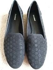 WOMEN'S,  GRACELAND,  BLACK, FLAT SHOES, SIZE 8. BRAND NEW