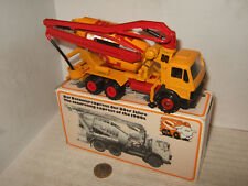 Conrad 3052 Mercedes Concrete Mixer Truck with Hyd arm Delivery in 1:50 scale.