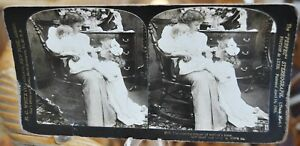 Antique Stereograph Card - The evening prayer at mother's knee c.1906
