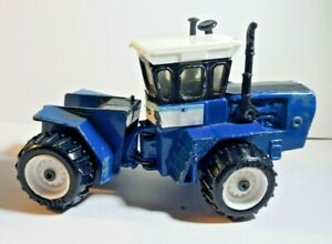 1/64 scale Ford FW 60, Ertl, 4 wheel drive model toy tractor Vtg