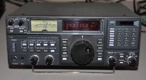 Icom IC-R7000 Communications receiver