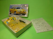 FUJIMI KIT (unbuilt) RENAULT MEGANE COUPE 16V - YELLOW 1:24 - VGIB