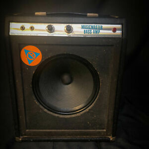 """Vintage 1970 Fender Musicmaster Bass Amp 1x12"""" 12w Tube Combo 051921"""