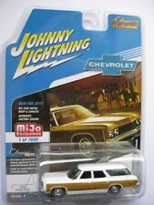 `73 Chevrolet Caprice Station Wagon White *RR* Johnny Lightning MiJo excl. 1:64