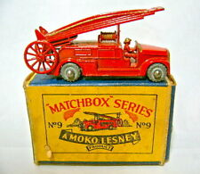"""MATCHBOX regular WHEEL 09a Fire Engine rosso come nuovo in """"Moko"""" BOX"""