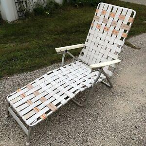 Webbed Vintage Aluminum Folding Chaise Lounge Lawn Chair White Tan Tri Fold
