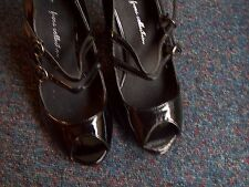 UNUSED/FIORE COLLECTION/BLACK PATENT/TWIN BAR/HEELS/SIZE 3