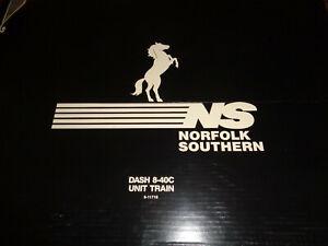 Lionel Set #6-11718 Dash 8-40C Norfolk Southern Intermodal Train Set. NIB