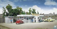HO Scale Miss Bettie's Diner Kit - Walthers #933-2909