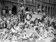 "Photo 1930 Sydney Australia ""Anzac Day - Flowers on Empty Tomb War Monument"""