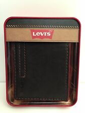 LEVI'S Men's Wallet Bi-Fold Passcase *Brown Leather w/Embossed Levi's Logo* New