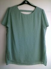 New green chevron textured shortsleeved women's top -back bar feature Tu size 18