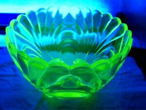 Vaseline Caprice pattern Serving Bowl Glow Uranium Glass Salad Dessert