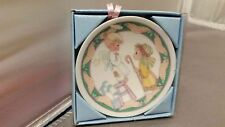 """PRECIOUS MOMENTS PLATE WE HAVE SEEN HIS STAR ANGEL SHEPHERD 1993 2 1/2"""" ORNAMENT"""
