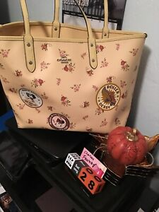 Disney Coach Yellow Minnie Mouse In New York City EUC Reversible Tote.