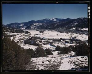 Placita,New Mexico,mountains,buildings,landscapes,Rio Pueblo,John Collier, 1392