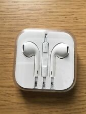Genuine APPLE EARPODS CON TELECOMANDO + MICROFONO AURICOLARI CUFFIE IPHONE IPAD RRP £ 29