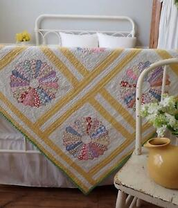 Cottage Perfect! Vintage 30s Yellow & White Dresden Plate QUILT 86x72 Feedsack P