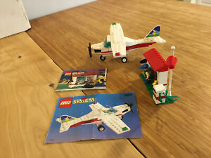 Lego City Town Set 1808 Light Aircraft and Ground Support (1996).