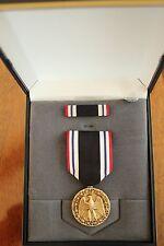 USMC US MARINE CORPS & FLEET MARINES UNISSUED CASED PRISONER OF WAR MEDAL SET 26