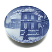 Vintage 1936 Bing & Grondahl B&G Denmark Blue White Christmas Plate Royal Guard