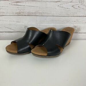 CLARKS Collection Soft Cushion Black Leather Slip On Wedge Sandal Womens Sz 7.5