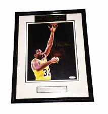 NBA MAGIC JOHNSON HAND SIGNED AUTOGRAPHED PHOTO FRAMED PLAQUED W/ UPPER DECK COA