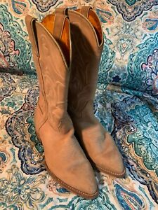 Women's vintage Frye leather boots size 8 1/2 M