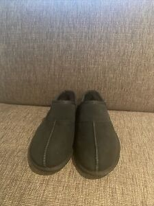 Ugg Australia Leisure Slip On BlackLined Slippers Shoes Casual Mens Sz 8 US New
