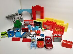 Mega Bloks Cars Disney Pixar Lot Collection Radiator Springs McQueen 45 plus pcs