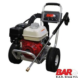 HONDA POWERED PRESSURE CLEANER - 3000 PSI - 15M HOSE WITH GUN AND LANCE