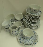30 PIECES BLUE WHITE PORCELAIN CHINA CUP SAUCER PLATES + GDR CROSS ARROWS JAGER