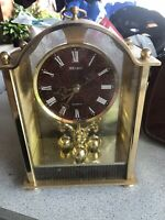 Vintage SEIKO QUARTZ Shelf Mantle Desk Clock QW 532 G-1 Gold Toned 10""