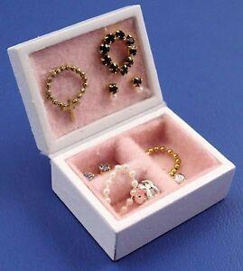 1:12 Scale White Painted Wood Jewellery Box Display Tumdee Dolls House D946