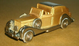 1/64 Size 1930's Classic Town Car Brass Metal Arc Lighter (empty refillable)