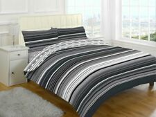 Contemporary Stripes Quilt Duvet Cover & Pillowcase Bed Set Green- King Size by