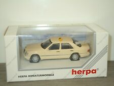 Mercedes E320 Limousine Taxi - Herpa 1:43 in Box *41316