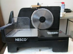 """CLEAN & TESTED """"NESCO"""" FOOD SLICER--- METAL WARE CO.6-1/2 BLADE PERFECT FOR HOME"""