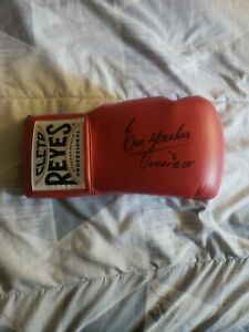 ERIK MORALES SIGNED CLETO REYES BOXING GLOVE WITH TERRIBLE INSCRIPTION JSA COA