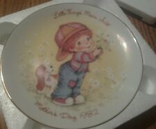 Avon Mothers Day Plate 1982 Little Things Mean A Lot With Easel