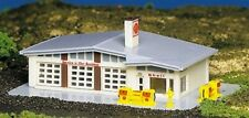 N Scale - Gas Station Bachmann Built-Up BAC-45904