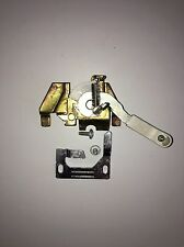 DISHWASHER PARTS / GE DOOR LATCH ASSEMBLY AND STRIKE WD13X10003